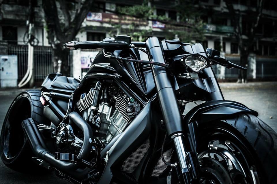 Harley davidson VRod do banh beo mang phong cach Batman cua Biker Viet - 5