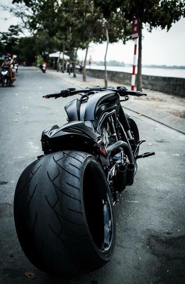 Harley davidson VRod do banh beo mang phong cach Batman cua Biker Viet - 7