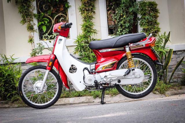 Honda Dream do he thong treo Thuy Dien dat gia khoe dan tren pho chieu - 9
