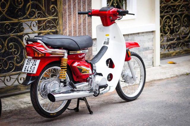 Honda Dream do he thong treo Thuy Dien dat gia khoe dan tren pho chieu - 7