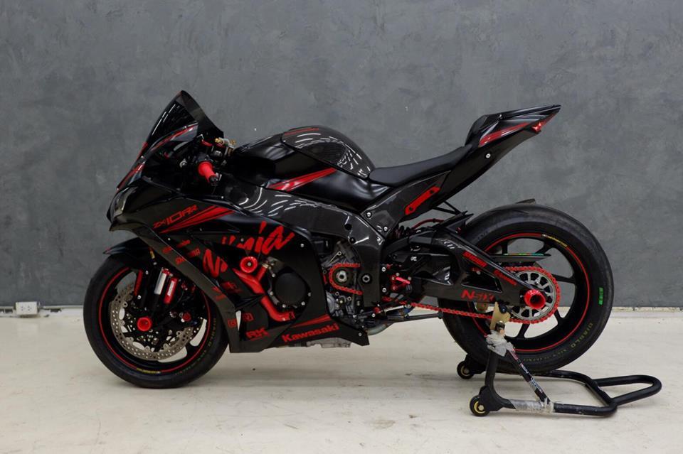 Kawsaki ZX10RR Superbike gioi han mang phong cach doi dua Kawasaki Racing Team - 3