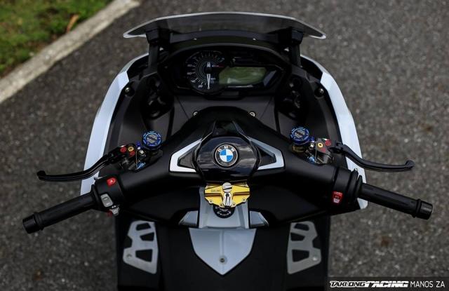 Man nhan voi ban do BMW C650 Sport tren xu Chua Vang - 5