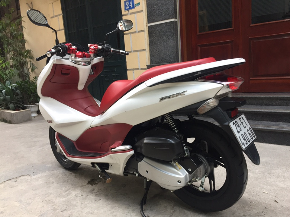 Pcx125 fi chinh chu 2014 trang do con moi nha it su dung 30tr500