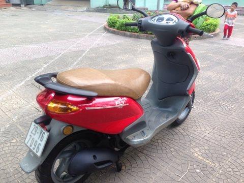 Rao ban xe Piaggio Fly dang dung rat tot HN chinh chu dung on dinh 5tr500 - 2