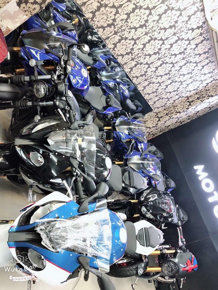 Tong hop xe moi va luot chau au dang co tai Ken MotoR Full options Buy abs Date 2019 - 17