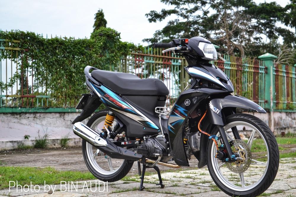 Vega Force do sieu dinh voi bang dieu khien thua huong tu Kawasaki Z1000 - 3