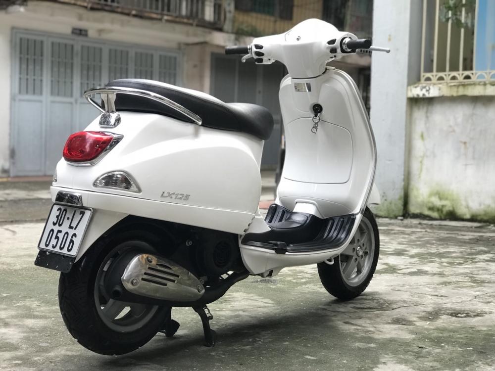 Vespa LX 125 Viet Nam 2011 mau trang nhu moi 30L5 0506