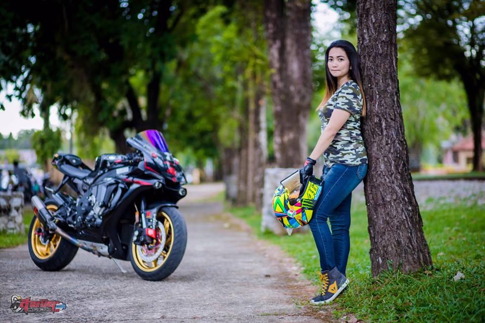 Yamaha R1 Sieu pham duong pho dien kien cung nu Biker Thai - 6