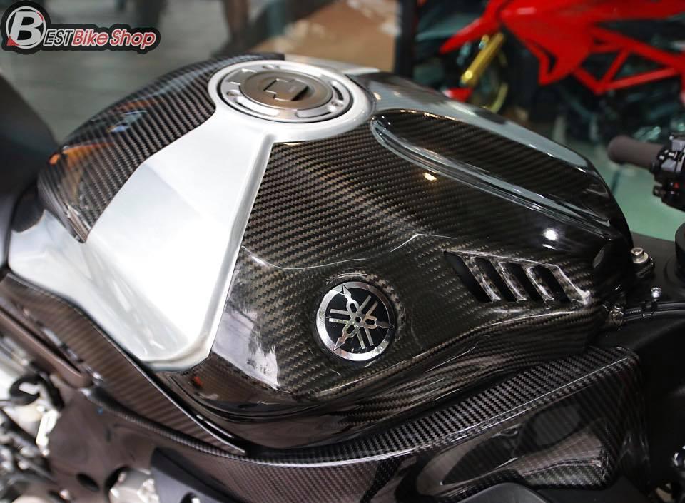Yamaha R1M phien ban dac cach sac mui Carbon World - 7