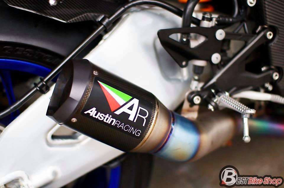 Yamaha R1M phien ban dac cach sac mui Carbon World - 11