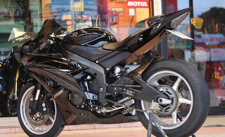Yamaha R6 Hung than xa lo day cuon hut voi tone mau Blacksiver - 8