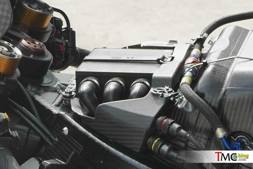 Yamaha Racing Team da tim ra duoc nguyen nhan tren chiec Yamaha M1 - 4