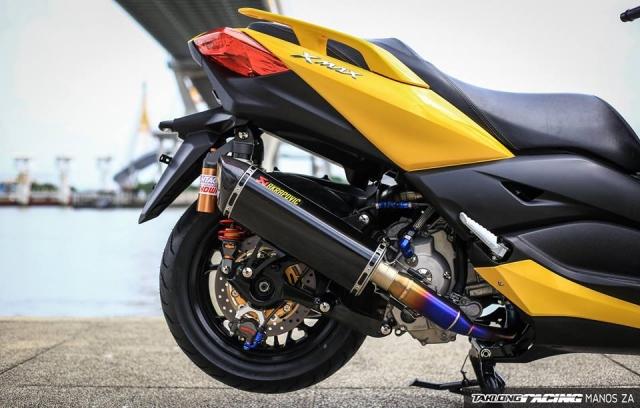 Yamaha XMax 300 chat ngat do dang cung dong bon - 13