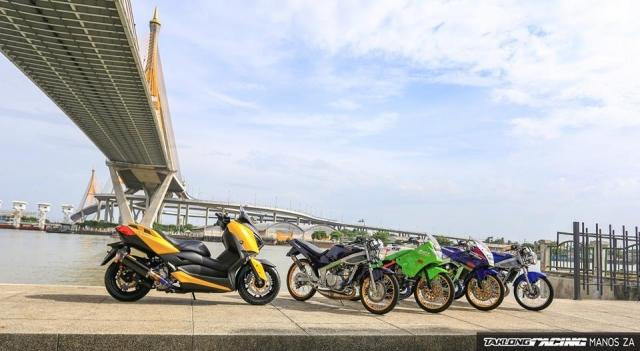 Yamaha XMax 300 chat ngat do dang cung dong bon - 21