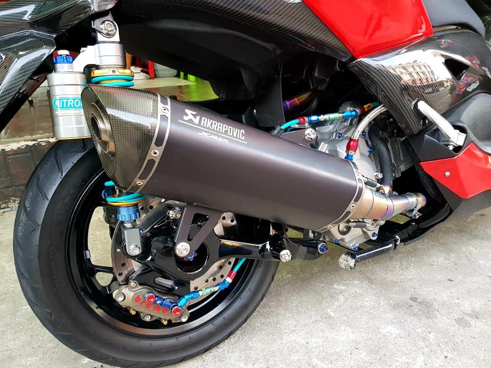 Yamaha XMax 300 ruc ro voi dan do hieu cao cap - 5