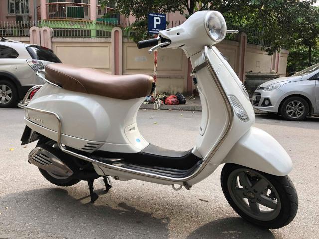 Ban Vespa LX150 doi 2013 nhap khau Italia 29V 44990 so nguyen ban 235tr mau trang do nu su dung xe - 3