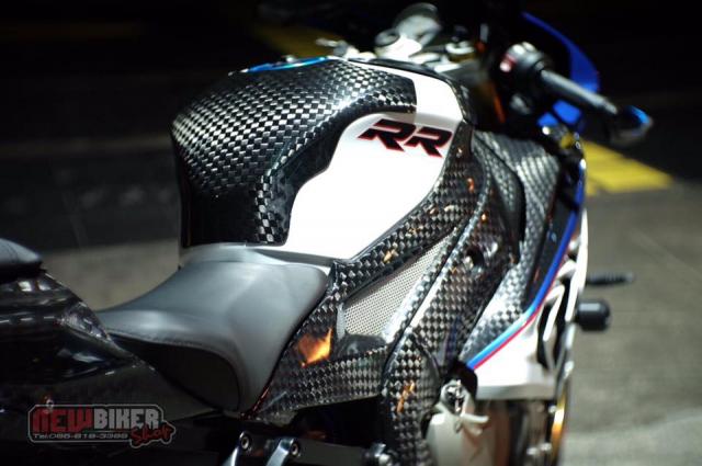 BMW S1000RR hoan thien voi than hinh full Carbon fiber - 5