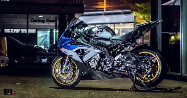 BMW S1000RR hoan thien voi than hinh full Carbon fiber - 11