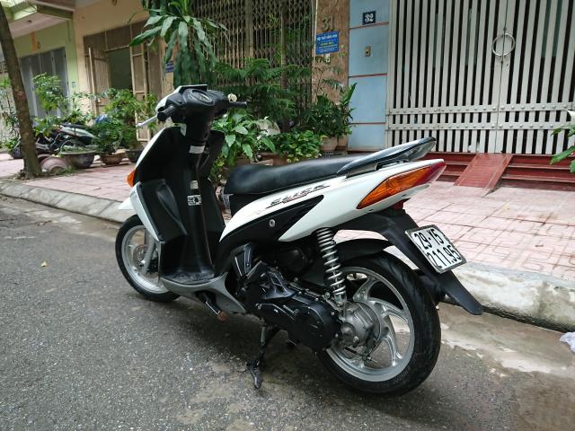 Can ban xe Click 2012 bien HN chinh chu it dung con tot 15tr800