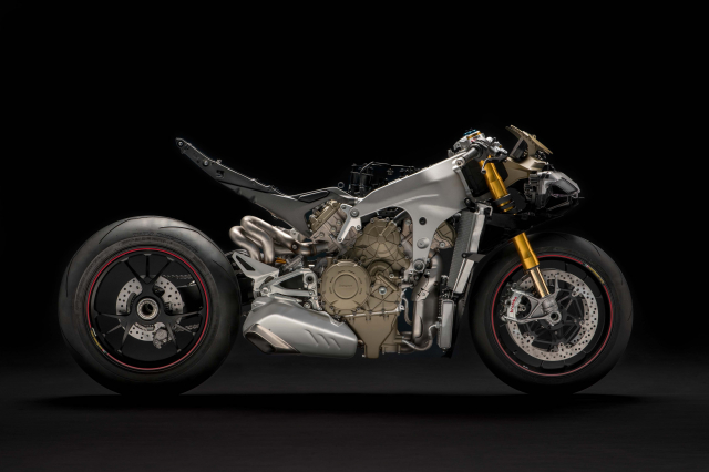 Ducati co ke hoach chuyen cac tinh nang cua DesmosediciGP18 len Panigale V4 doi tiep theo - 2