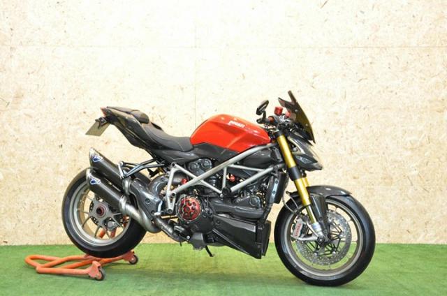 Ducati Streetfighter 1100S Huyen thoai duong pho bat tu - 3