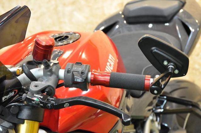 Ducati Streetfighter 1100S Huyen thoai duong pho bat tu - 5