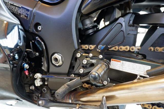 Suzuki Hayabusa ve dep trang le tu than hinh do so - 7