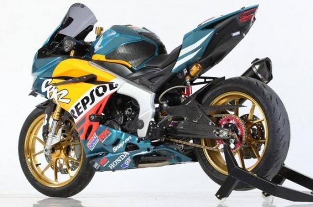 Honda CBR250RR ban tuy chinh dac biet theo phong cach Repsol - 3