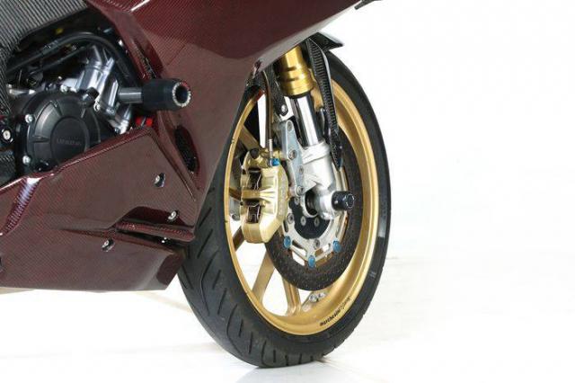 Honda CBR250RR do cuc khung voi than hinh Carbon - 5