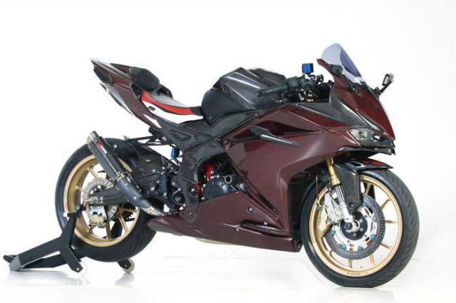 Honda CBR250RR do cuc khung voi than hinh Carbon - 7