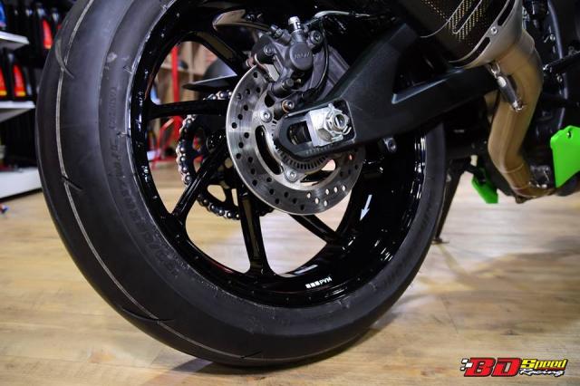 Kawasaki ZX10R do don gian day tinh te voi dan chan aluminim kich doc - 11