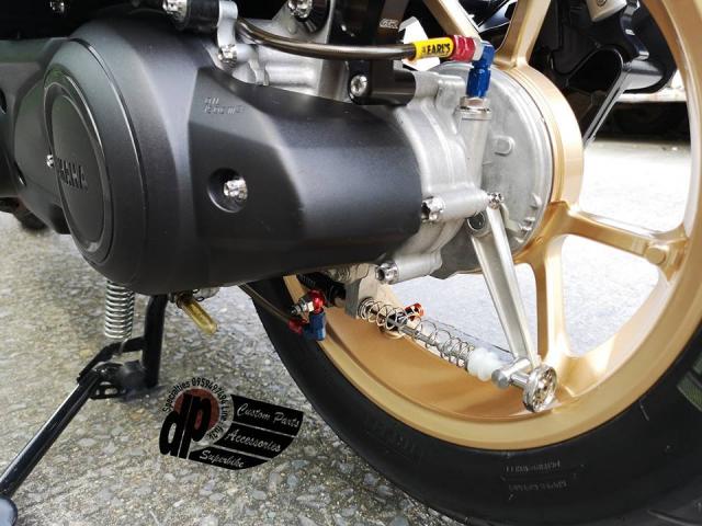 NVX 155 do khoi vu khi hang nang cua Biker nuoc ngoai - 7