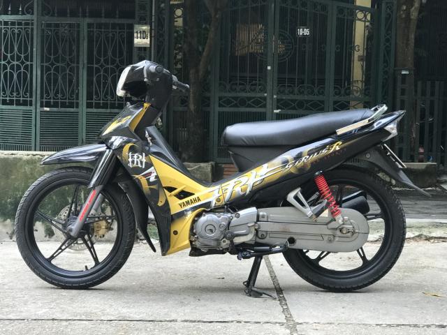 Sirius R mau vang den 2012 doi chot vanh duc phanh dia - 5