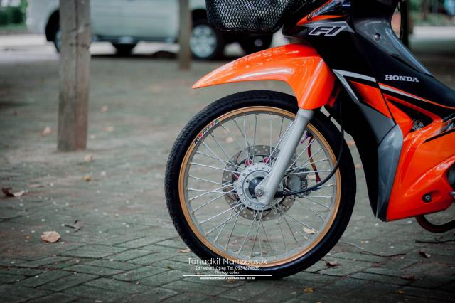 Wave 110 do he thong on dinh tay lai sieu kinh dien cua biker Thai - 6