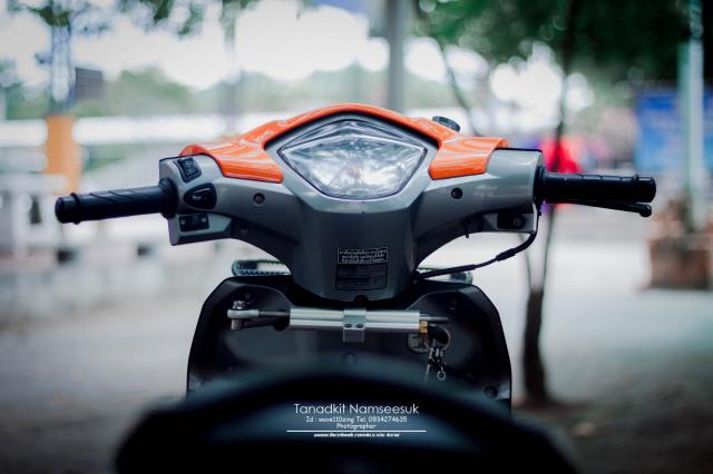 Wave 110 do he thong on dinh tay lai sieu kinh dien cua biker Thai - 4