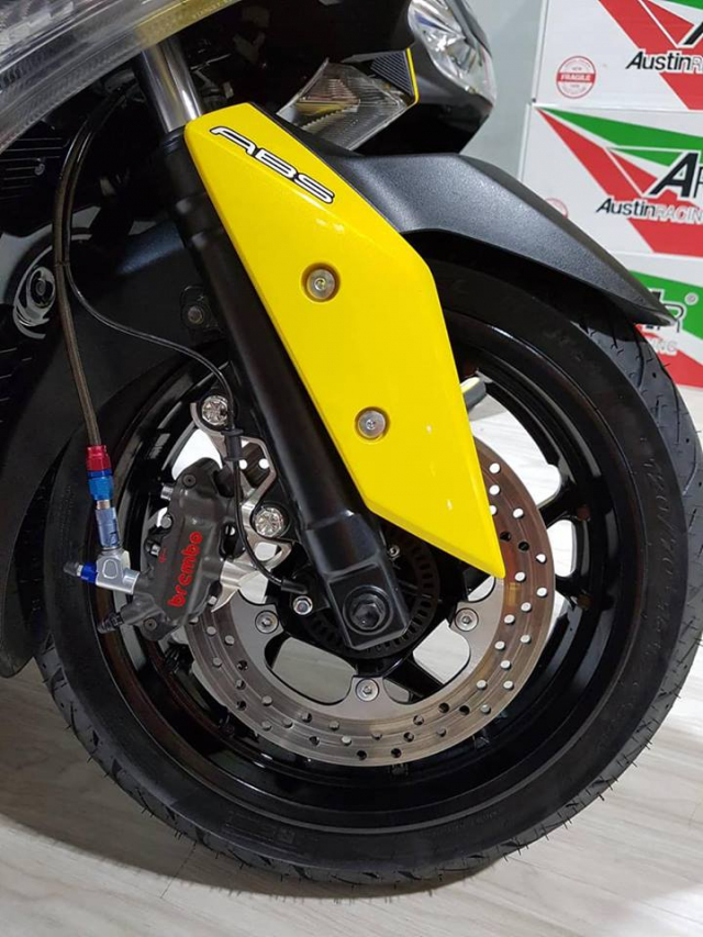 Yamaha XMax300 ban tuy chinh kha loi cuon tai NBB RacingParts - 7