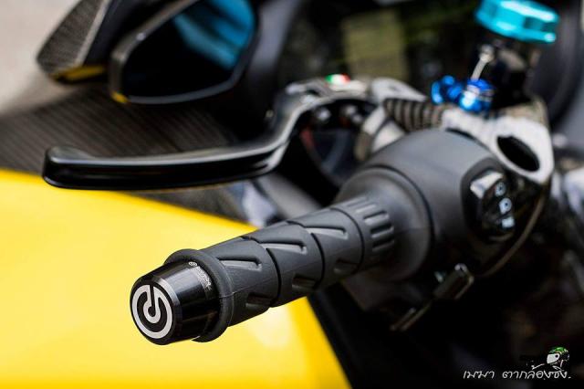 Yamaha XMax300 noi bat voi trang bi full option - 11