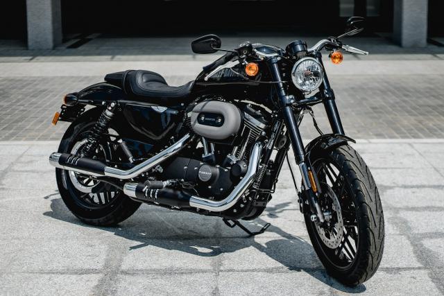 Can ban lo xe HarleyDavidson hang nhap nguyen ban