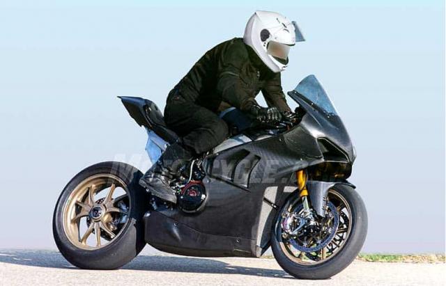 Ducati Panigale V4R danh cho duong dua WSBK lo dien tren duong chay thu - 2