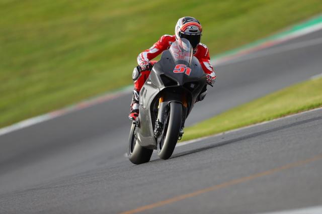 Ducati V4R xuat hien tren duong dua lay cam hung cho MotoGP - 7