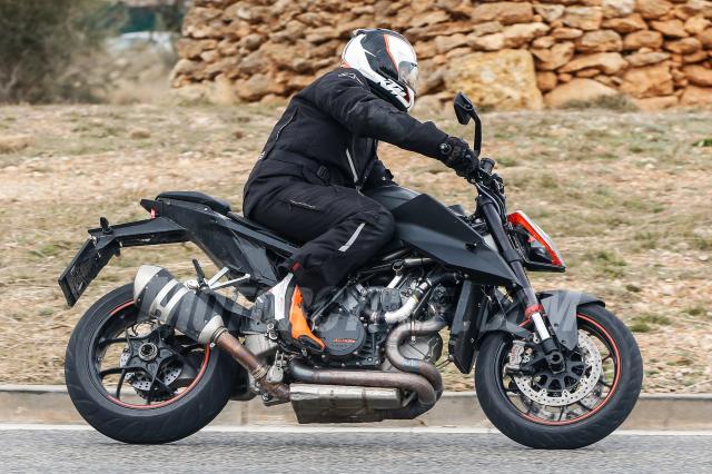 KTM 1290 Super Duke R 2019 duoc cong bo voi nhieu thay doi - 4