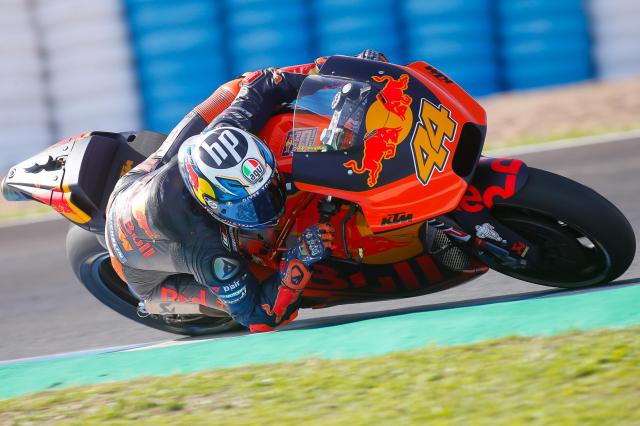 MotoGPMua giai 2019 Su canh tranh khoc liet den tu nhung tay dua tre - 5