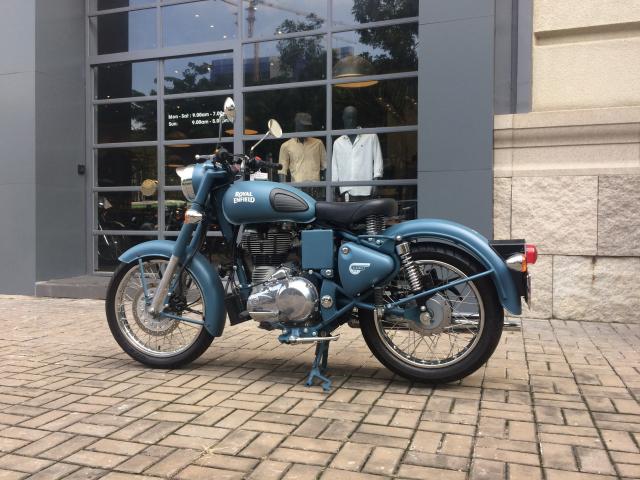 Royal Enfield classic 500 SQUADRON BLUE - 3
