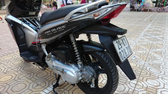 Ban xe Airblade fi 2012 Sport do den nguyen ban dung giu dang su dung