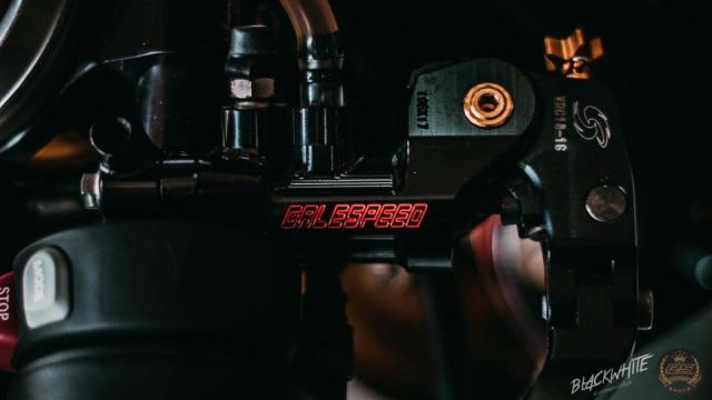 BMW S1000RR do dep mien man voi phong cach tem dau TYCO Racing - 11