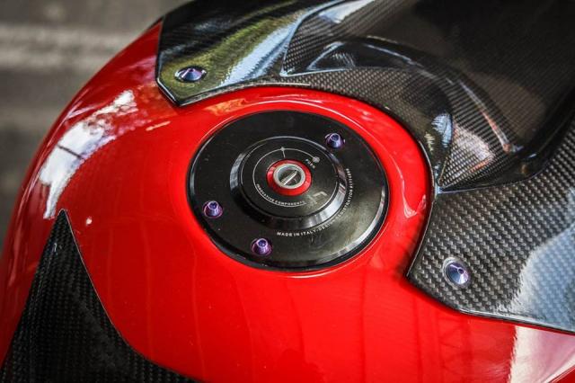 BMW S1000RR man nhan voi bo canh sac mui Carbon - 7