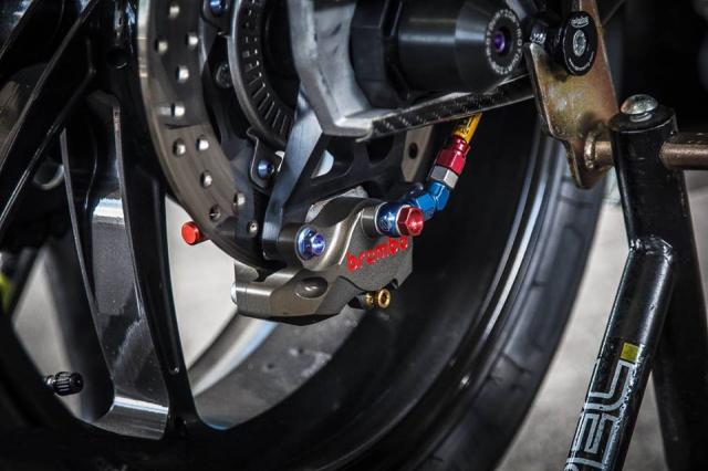 BMW S1000RR man nhan voi bo canh sac mui Carbon - 13