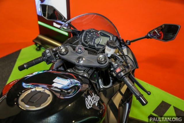 Can canh Kawasaki Ninja ZX10RR va ZX6R 2019 duoc cong bo gia khoi diem 899 trieu va 444 trieu VND - 9