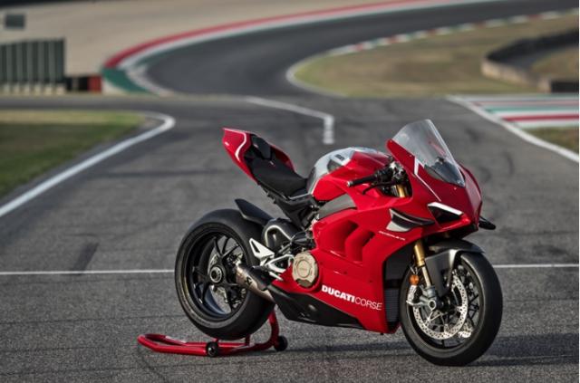 Ducati cong bo gia ban chinh thuc cua sieu pham Ducati V4R Panigale gia hon 1 ty - 5