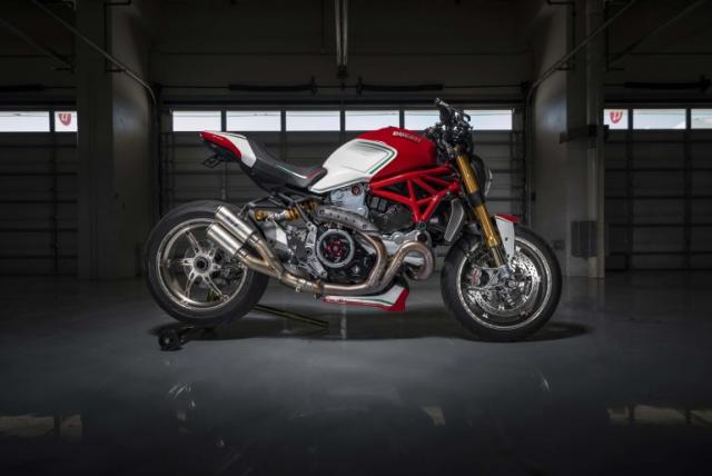 Ducati Monster 1200 phien ban Tricolore tu Motovation - 3